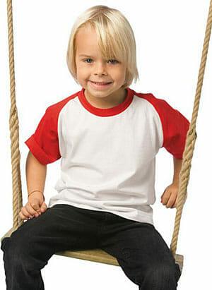modisches Baseball-Shirt für Kinder von B&C